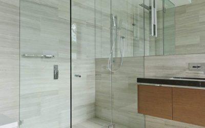 ¿Cómo realizar una buena limpieza de tu Shower door?
