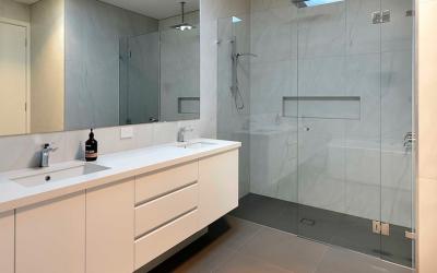 Decoración y Shower Doors